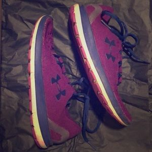 Under Armour Sneakers 7.5